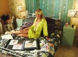 laura-haddock-inbetweeners-bed-yellow
