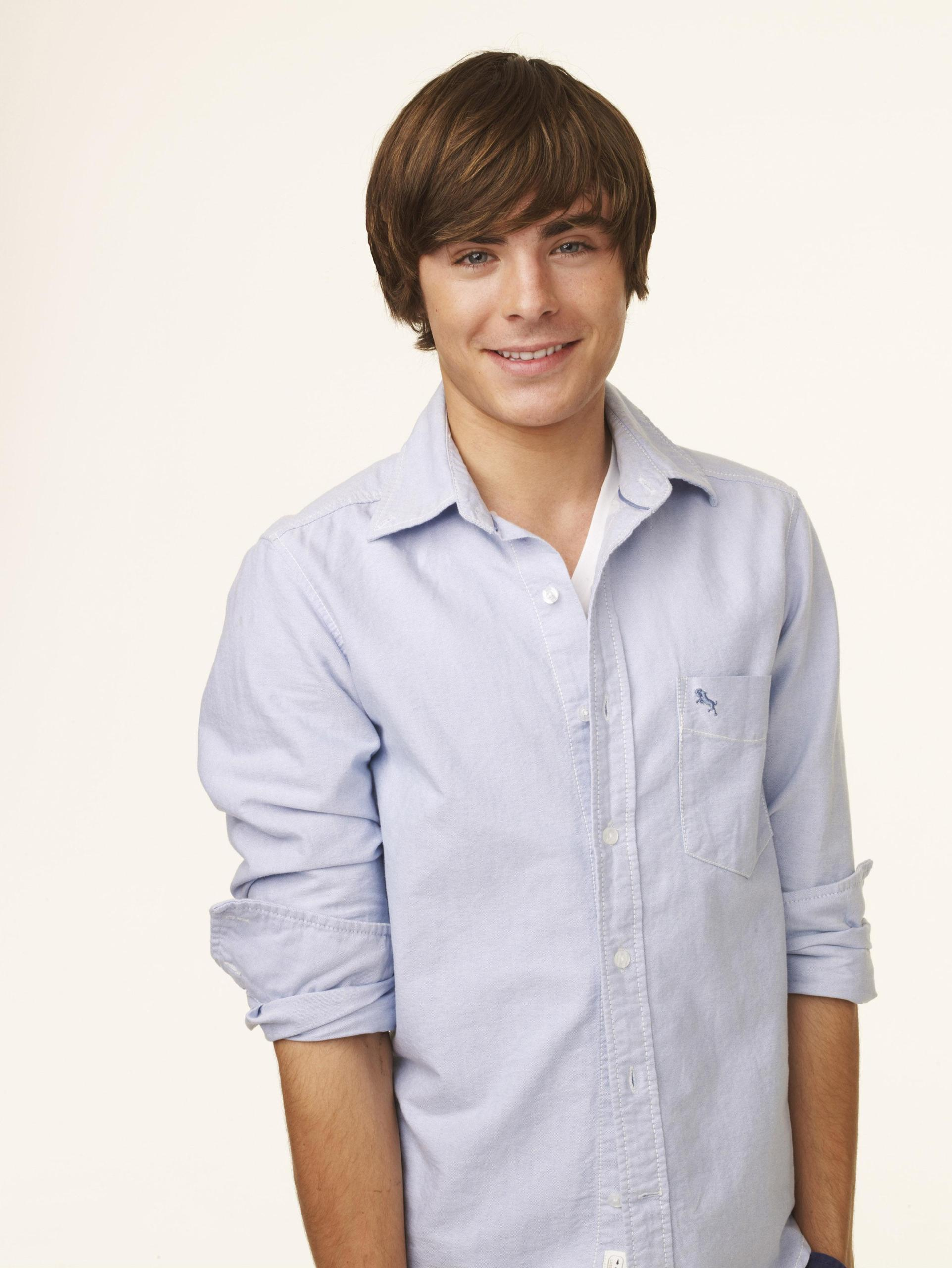 - zac-efron-wallpaper-high-school-musical-troy